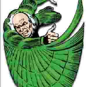 O ABUTRE (The Amazing Spider-Man #2, 1963) - O inventor Adrian Toomes foi traído por seu sócio e, por vingança, cria um aparelho antigravitacional. Usando asas para controlar o voo, ele se volta para uma vida de crimes. O Abutre estava no Sexteto Sinistro original e fará parte de sua versão para o cinema - Reprodução