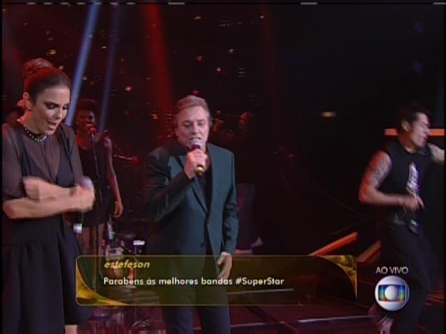 5.maio.2014 - Ivete Sangalo, Fábio Jr. e Dinho Ouro Preto cantam juntos no