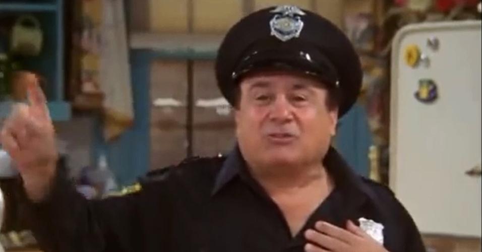 Danny DeVito fez um stripper de meia-idade que se apresentou na despedida de solteira de Phoebe ao ser contratado de última hora por Rachel e Monica