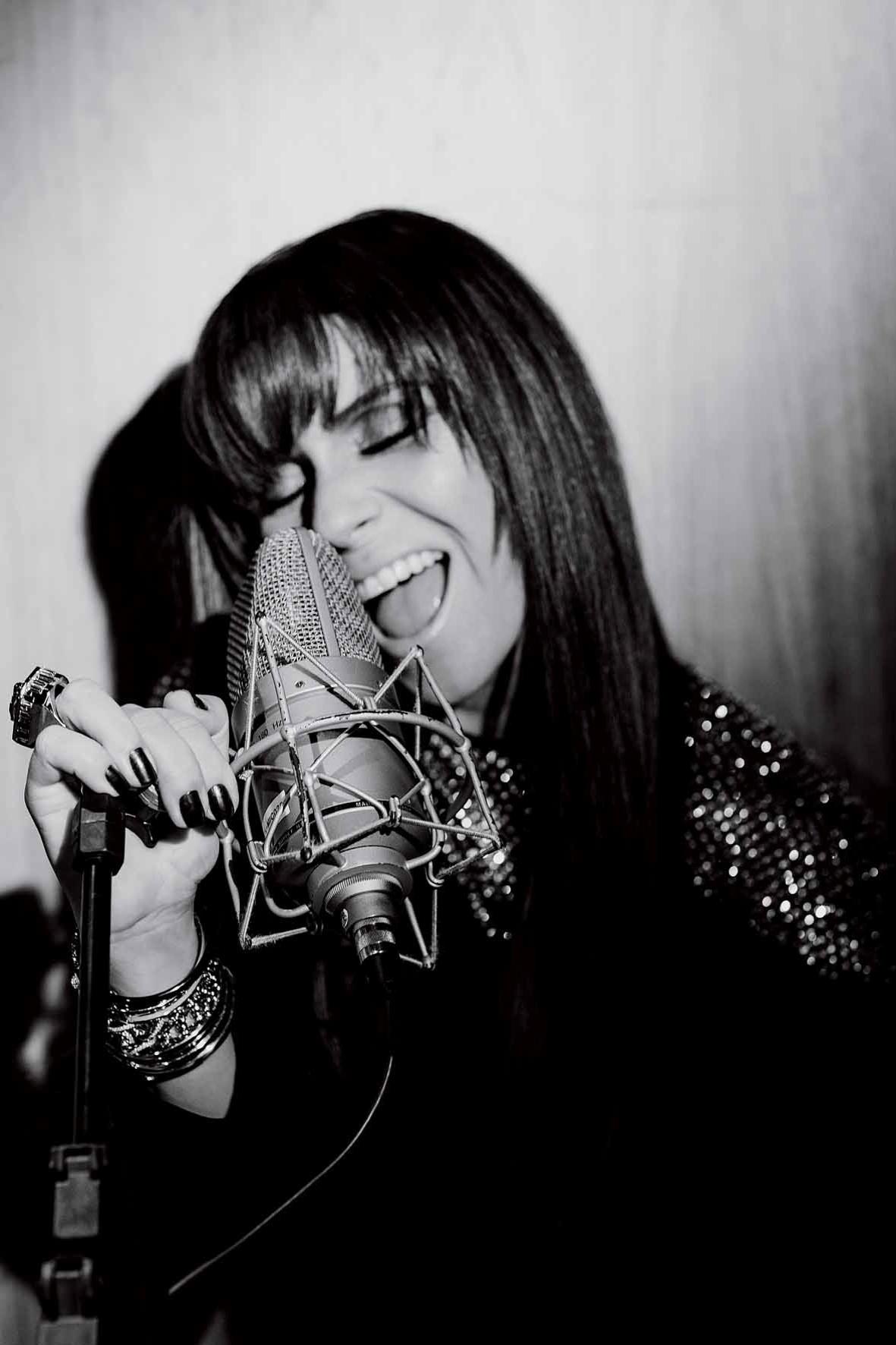 Giovanna Antonelli é estrela da edição de maio da revista