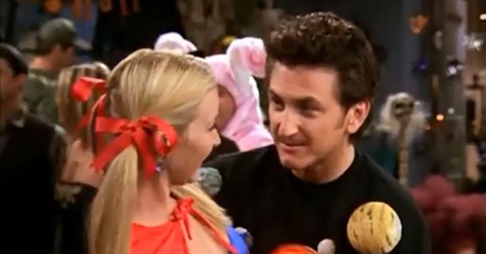 Sean Penn apareceu como Eric, ex-noivo de Ursula, irmã gêmea de Phoebe, que acaba se envolvendo com ela