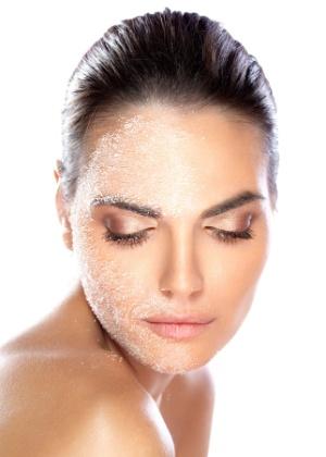 Peelings podem ser superficiais, médios ou profundos. Como a escala sugere, eles agem em diferentes camadas da pele - Thinkstock
