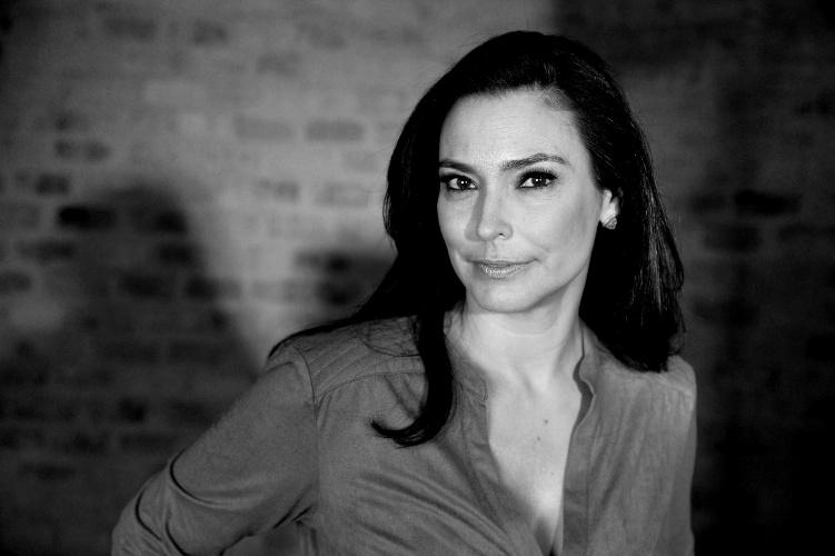 """7.mai.2014 - """"Eu quis sair porque eu pretendia ser correspondente dos Estados Unidos"""", revela Valéria Monteiro sobre saída da Globo"""