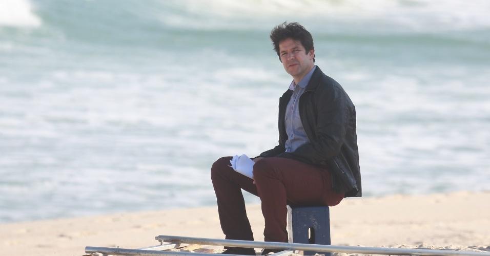 """8.mai.2014 - Murilo Benício grava cenas de """"Geração Brasil"""" na praia da Macumba, no Rio de Janeiro. Na novela das sete, o ator interpreta Jonas Marra, o Steve Job brasileiro"""