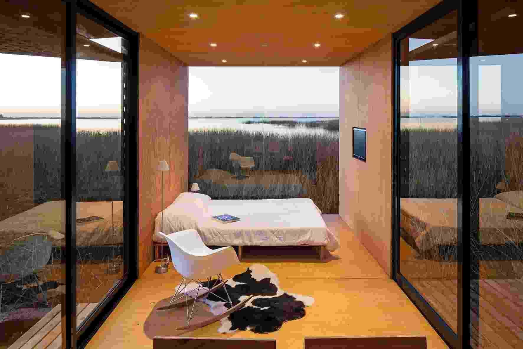 A integração do interior com o exterior acontece naturalmente na casa MiniMod, projetada pelo escritório MAPA - Leonardo Finotti/UOL