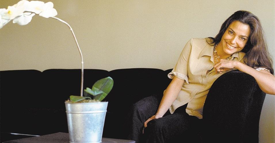 6.ago.2002 - A apresentadora Valéria Monteiro volta à telinha depois de mais de uma década longe do video
