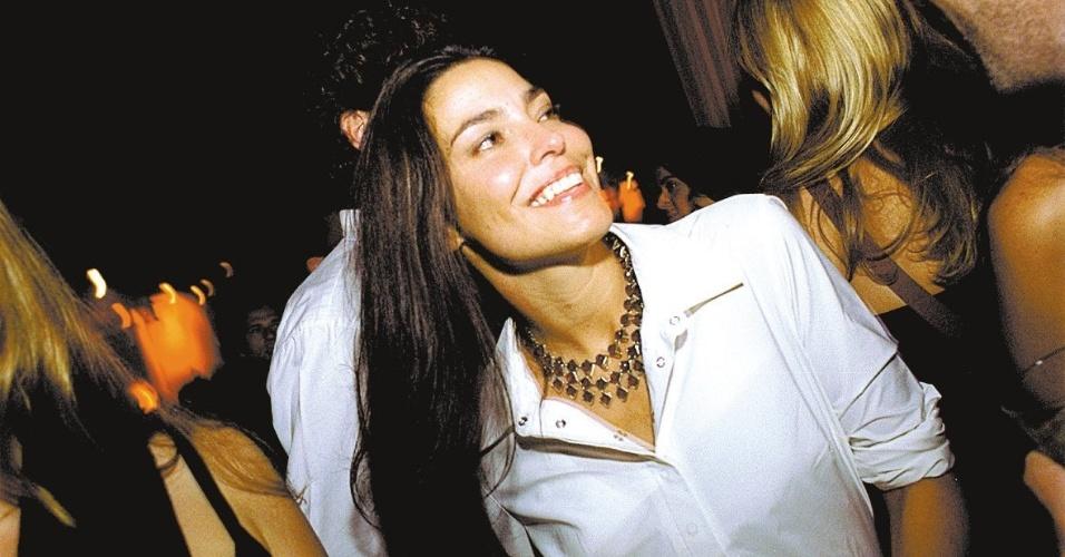 28. ago.2002 - Valéria Monteiro era considerava uma das musas dos anos 80 da televisão brasileira