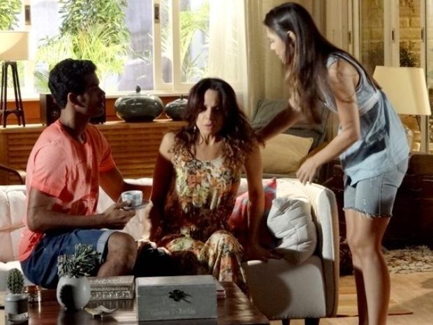 Juliana passa mal após discutir com Jairo