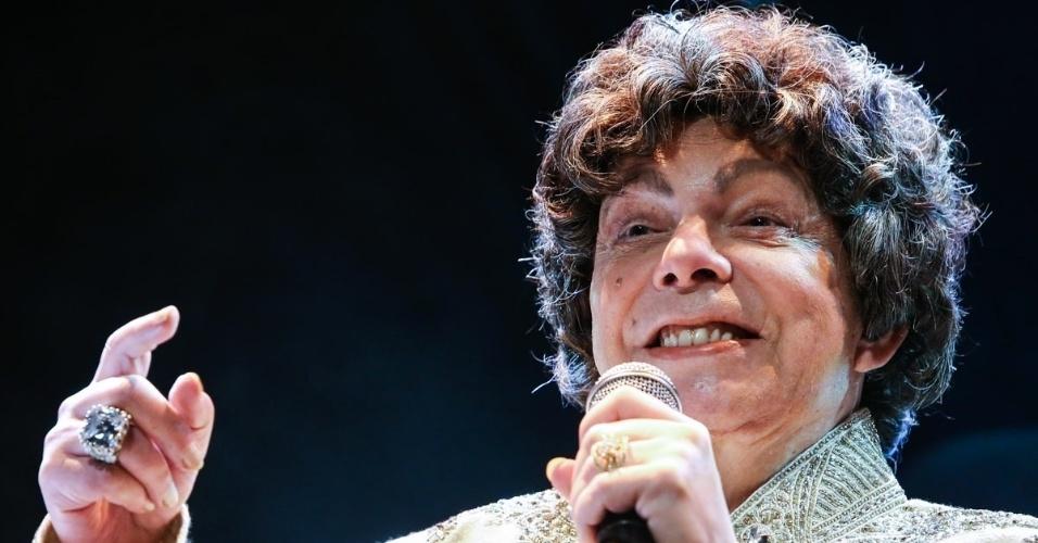 11.mai.2014 - Cauby Peixoto se emociona em show com Angela Maria, em São Paulo