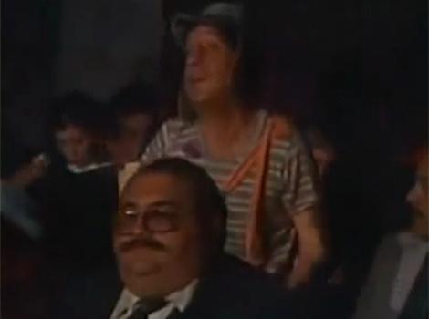 """No episódio """"Vamos ao Cinema?"""", Chaves e sua turma causam a maior confusão quando resolvem ir ao cinema. O episódio ficou famoso com o bordão que o personagem repete: """"Teria sido melhor ir ver o filme do Pelé"""""""