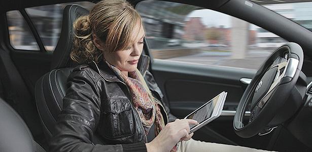 Divertido é dirigir ou ficar conectado? Carro autônomo pode ser resposta comum - Divulgação