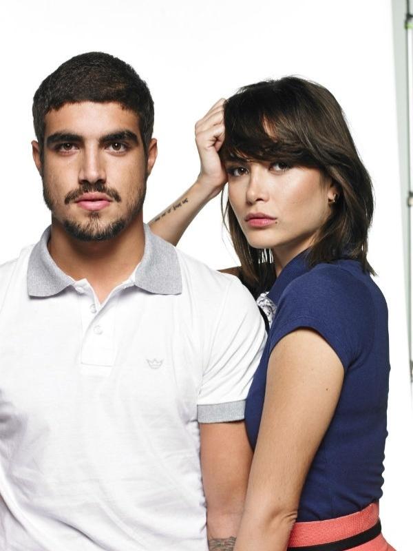 Caio Castro e Maria Casadevall posam juntos para campanha de Dia dos Namorados