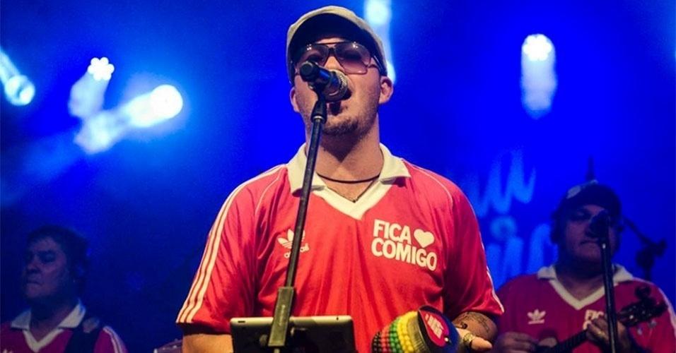 Gugu em um dos shows da banda Fica Comigo no Rio de Janeiro. O músico é filho do cantor Erasmo Carlos
