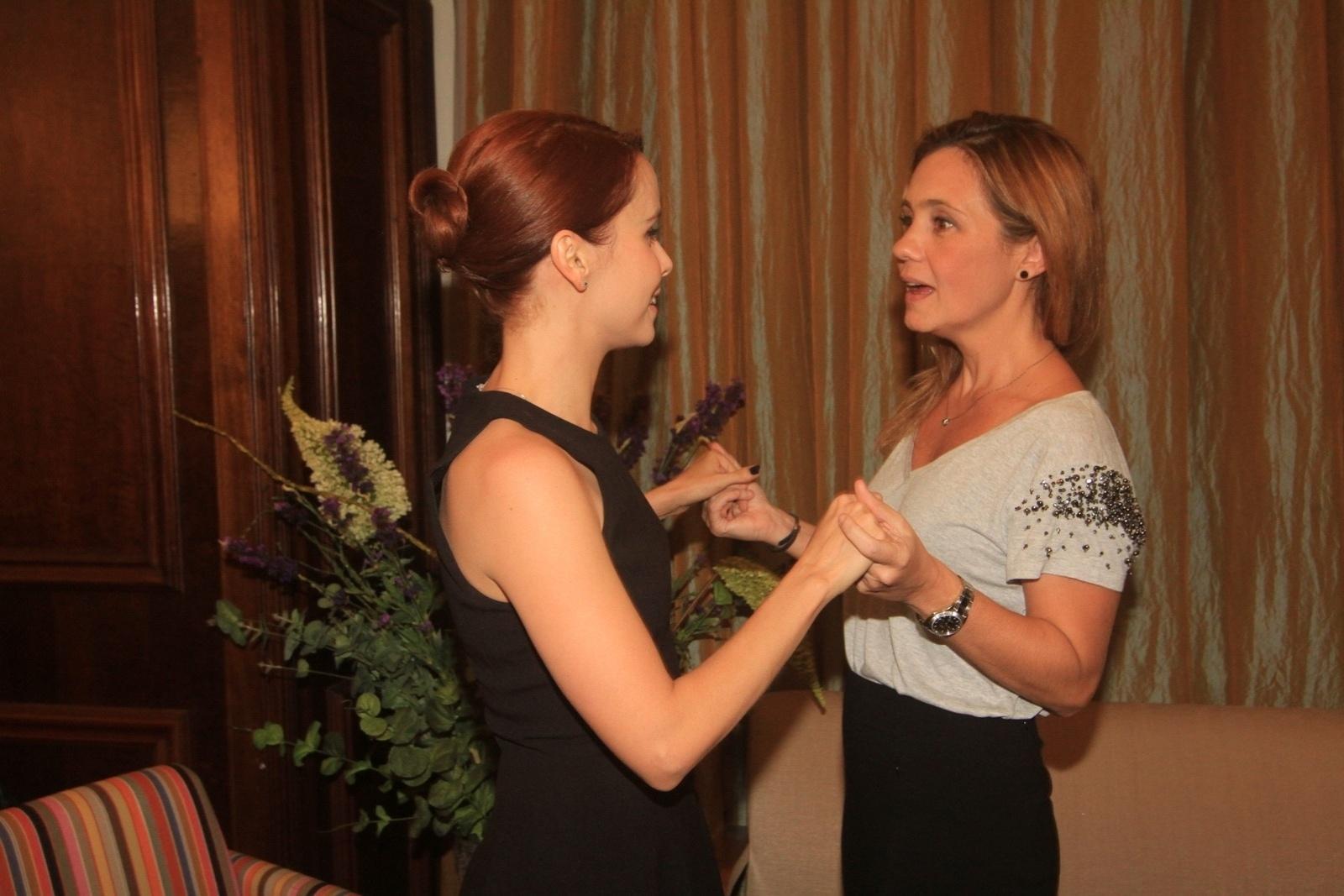 14.mai.2014 - Adriana Esteves prestigiou a estreia da peça