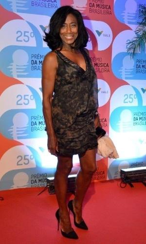 14.mai.2014 - A apresentadora Gloria Maria exibe seu corpo em forma no 25º Prêmio da Música Brasileira no Rio de Janeiro