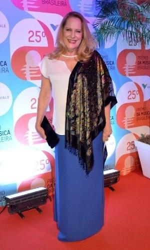 14.mai.2014 - A atriz Lucinha Lins posa para os fotógrafos no 25º Prêmio da Música Brasileira no Rio de Janeiro