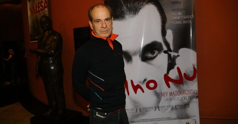 15.mai.2014 - Ney Matogrosso prestigia estréia do documentário ?Olho Nu?, de Joel Pizzini, que conta sobre a vida dele no Cine Odeon BR