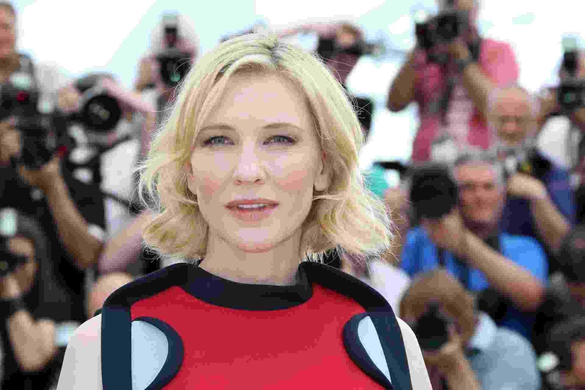 """16.mai.2014 - A atriz Cate Blanchett em Cannes, antes da exibição de """"Como Treinar o Seu Dragão 2"""" - Loic Venance/AFP"""