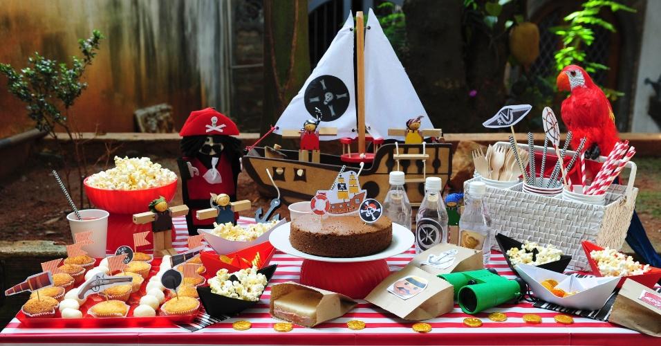 Em busca de ideias para decorar a próxima festa de aniversário do seu filho? Que tal dar uma boa olhada nos brinquedos, livros e outros objetos de uso pessoal dele? Inspire-se a seguir em uma comemoração com temática pirata