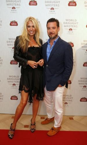 17.mai.2014 - Adriane Galisteu e o marido Alexandre Iódice curtiram o evento ?WDM - Wolrd Draught Masters? no Hotel Martinez, em Cannes