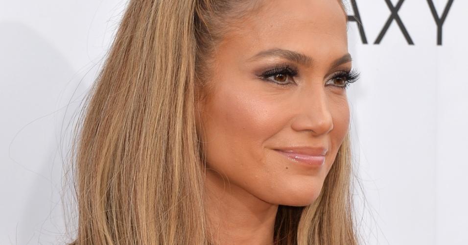 18.mai.2014 - Cantora Jennifer Lopez no tapete vermelho do Billboard Music Awards, em Las Vegas