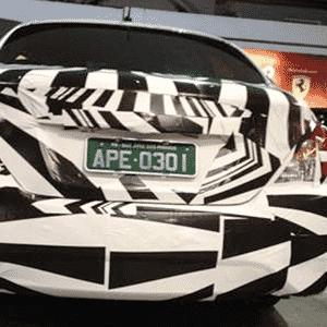 Nissan Versa reestilizado, que será fabricado no Brasil, já é visto no país - Felipe Edson Costa/UOL