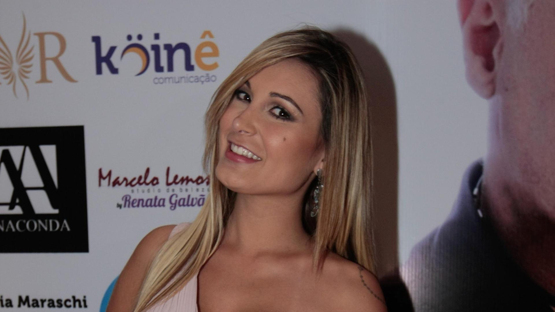 20.mai.2014 -Andressa Urach vai à festa dos 30 anos de carreira do estilista Fernando Pires