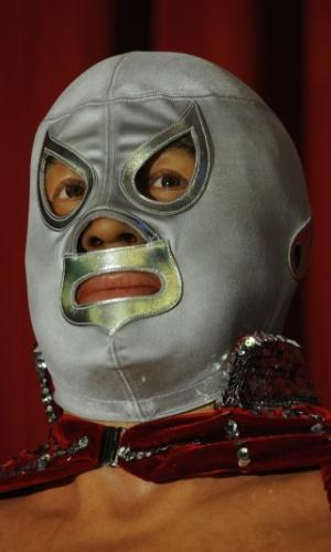 Detalhe da estátua do lutador El Santo, no Museu de Cera da Cidade do México