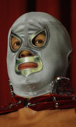 Detalhe da estátua do lutador El Santo no Museu de Cera da Cidade do México