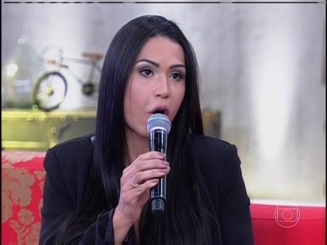 "Gracyanne Barbosa durante participação no ""Encontro"""