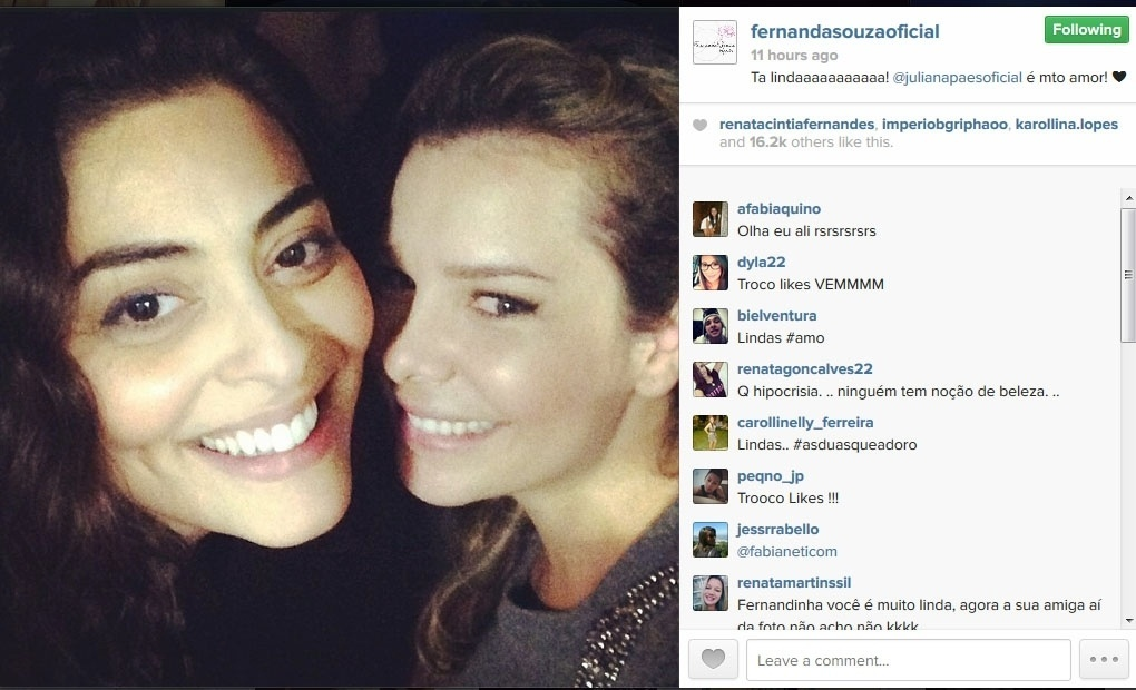 22.mai.2014 - As atrizes Juliana Paes e Fernanda Souza posam na festa surpresa de Ivete Sangalo. A imagem foi publicada no Instagram de Fernanda Souza