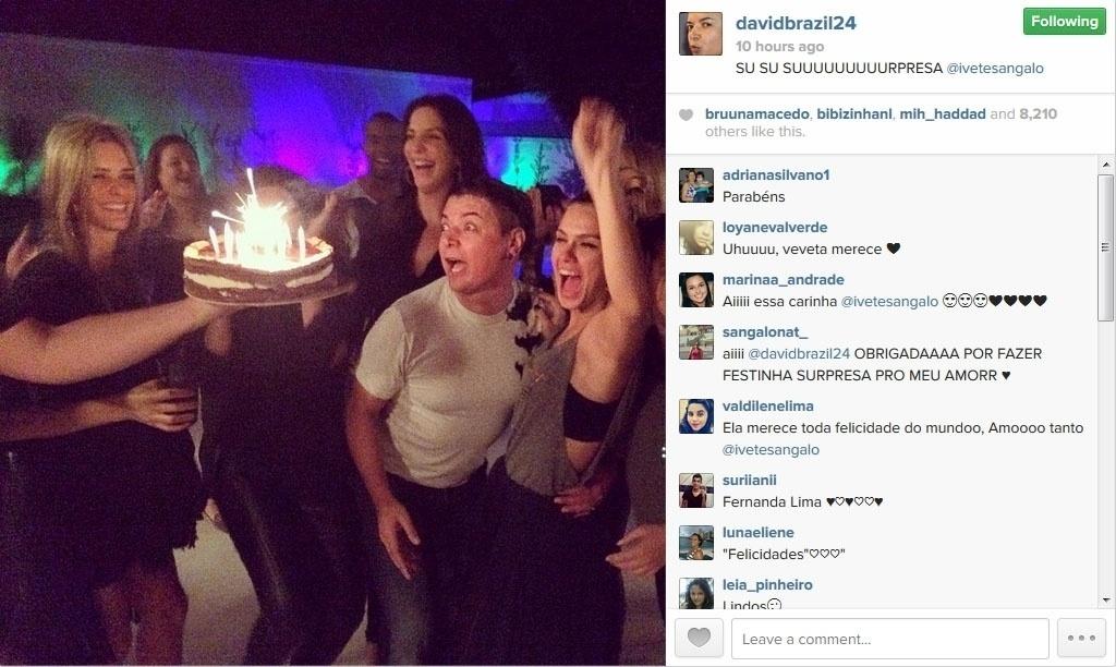 22.mai.2014 - O promoter David Brazil mostrou no Instagram uma foto da festa surpresa feita pelos amigos de Ivete Sangalo, que faz 42 anos no próximo dia 27
