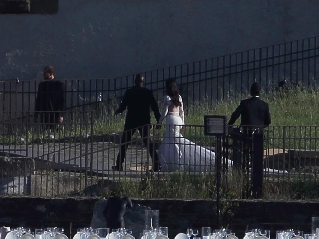 24.mai.2014 - Kim Kardashian e Kanye West se casam no Forte di Belvedere, em Florença, na presença de 600 convidados. A cantora Beyoncé, Jay-Z e o irmão de Kim não foram à cerimônia