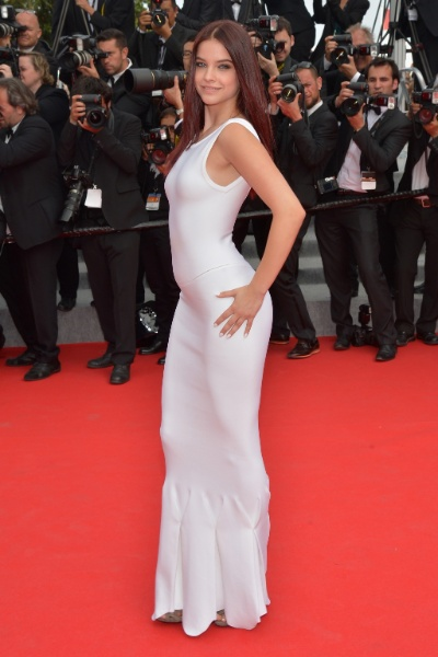 "21.mai.2014 - Barbara Palvin na première do filme ""The Search"", no Festival de Cannes"