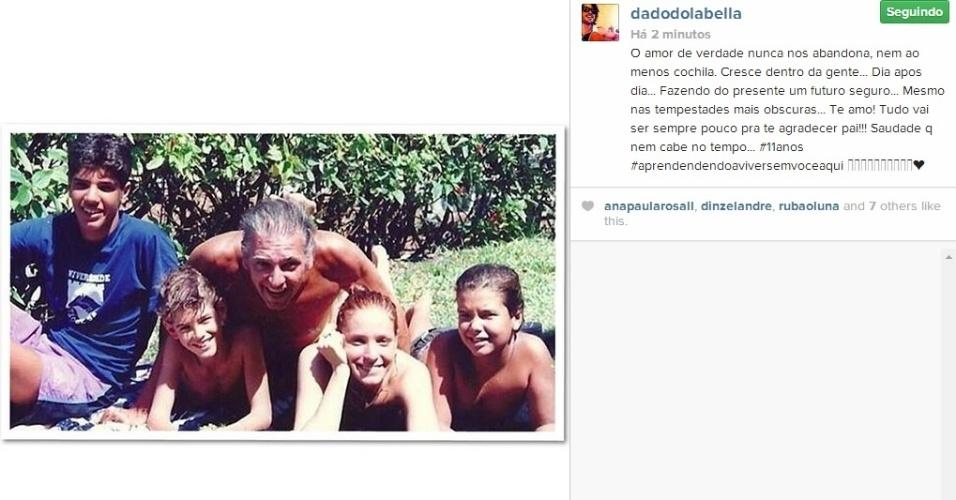 Dado Dolabella posta foto com o pai e lamenta sua ausência