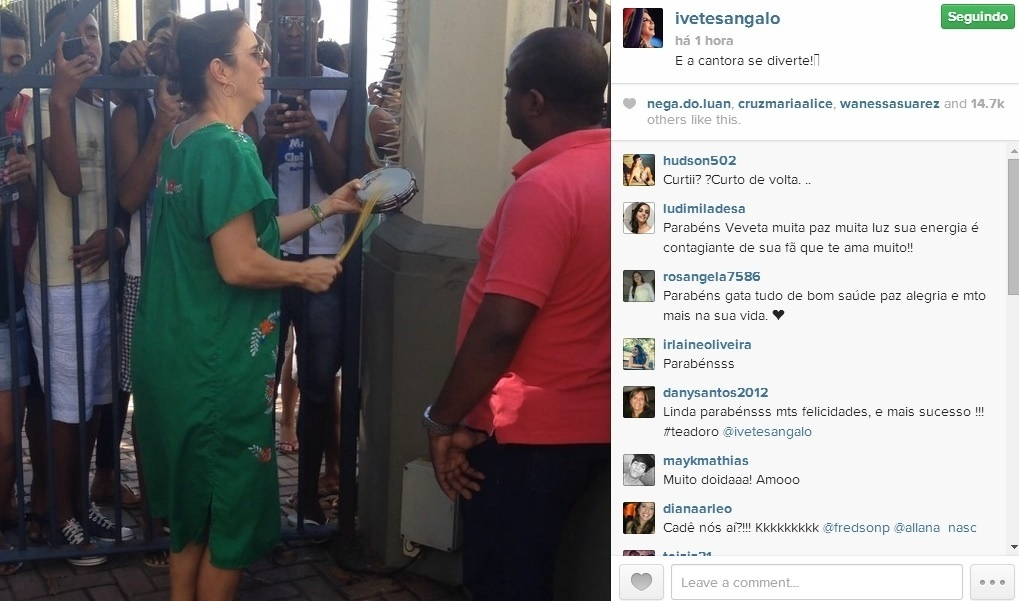 Ivete Sangalo é surpreendida por homenagem dos fãs em sua casa pelo seu aniversário