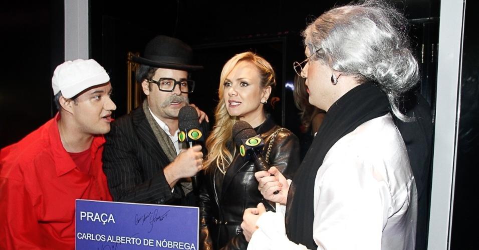 27.mai.2014 - Carlos Alberto de Nóbrega comemora 60 anos de carreira ao lado de amigos em uma casa de espetáculos no centro de São Paulo