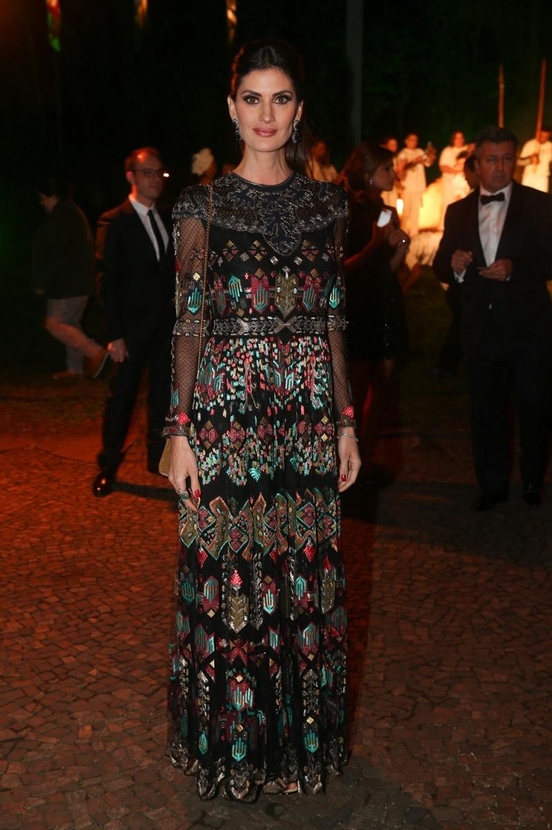 29.mai.2014 - A modelo Isabella Fiorentino prestigiou o baile de gala promovido pela ONG BrazilFoundation, em São Paulo