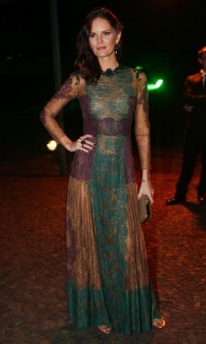 29.mai.2014 - A modelo Marcelle Bittar prestigiou o baile de gala promovido pela ONG BrazilFoundation, em São Paulo