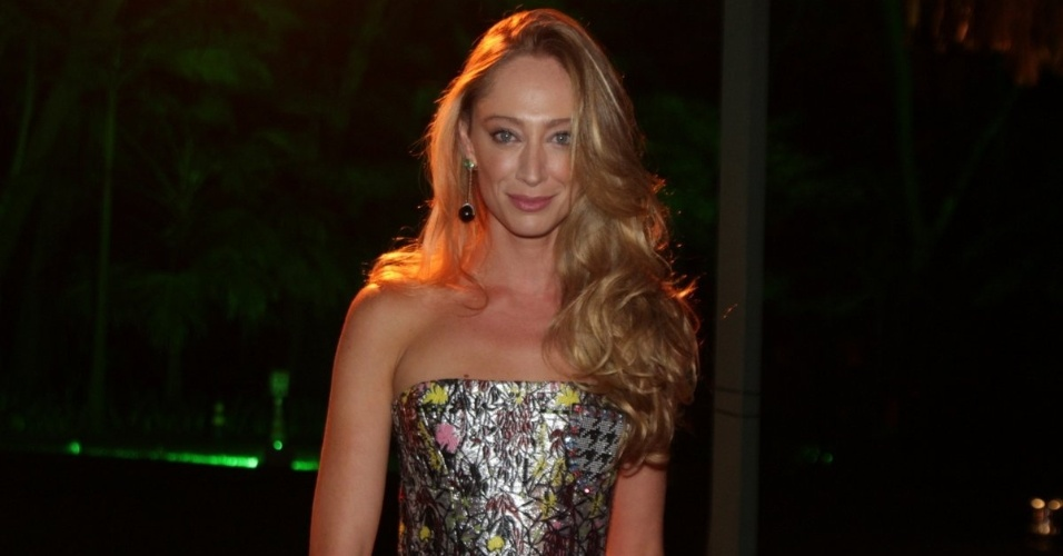 29.mai.2014 - A modelo Talytha Pugliesi prestigiou o baile de gala promovido pela ONG BrazilFoundation, em São Paulo