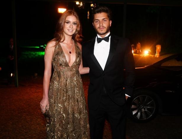 29.mai.2014 - Marina Ruy Barbosa e Klebber Toledo prestigiaram o baile de gala promovido pela ONG BrazilFoundation, em São Paulo