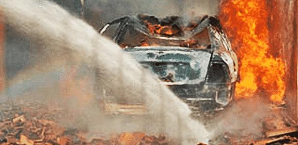 Chevrolet Vectra GLS 97 explodiu após curto-circuito em Três Lagoas (MS), em 2008 - Reprodução/Agência Pública