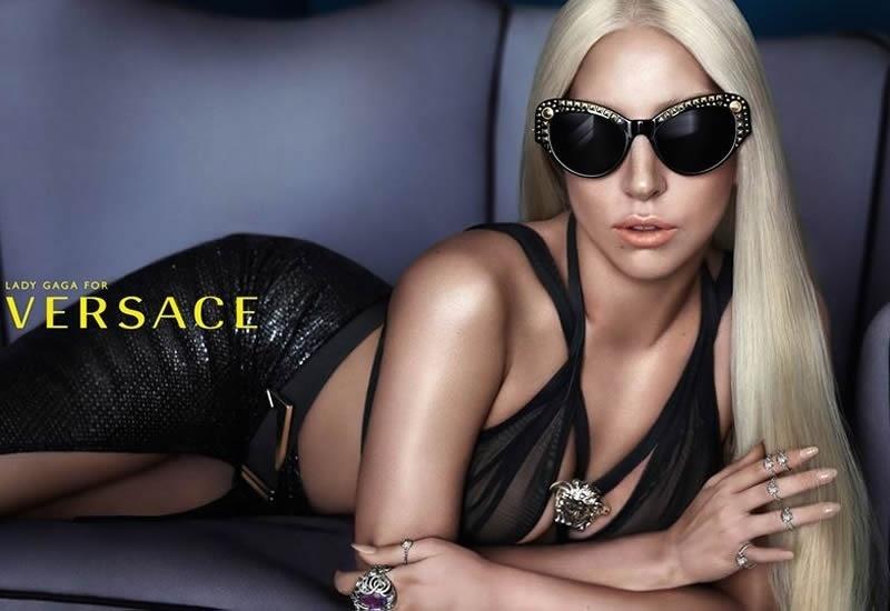 Lady Gaga na campanha de óculos da Versace
