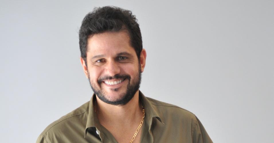 """André Di Mauro é Jorge em """"Vitória"""""""