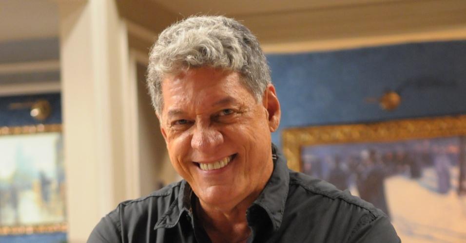 """Antônio Grassi é Gregório em """"Vitória"""""""