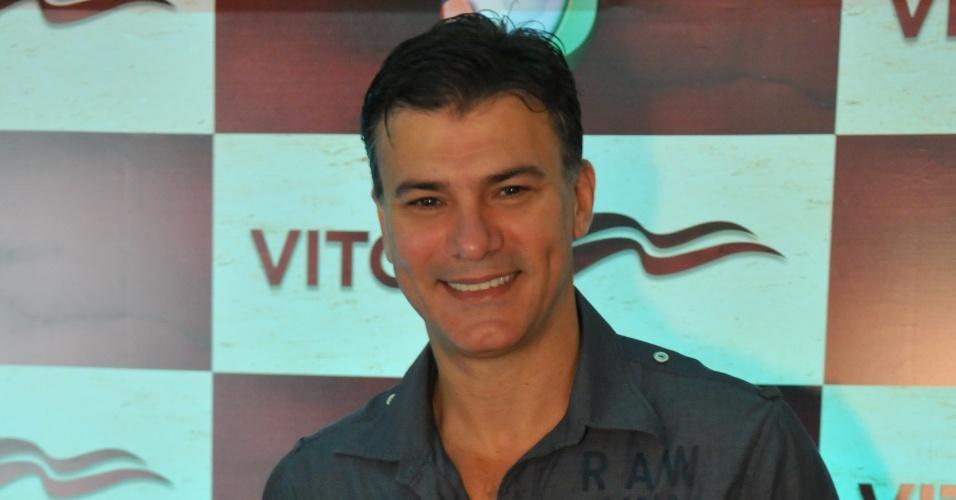 """Leonardo Vieira é Tadeu em """"Vitória"""""""