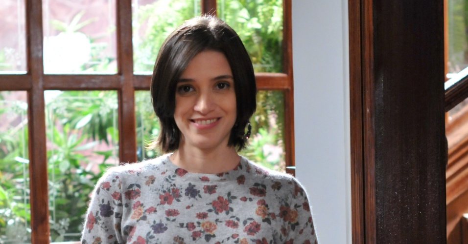 """Roberta Gualda é Anastácia em """"Vitória"""""""