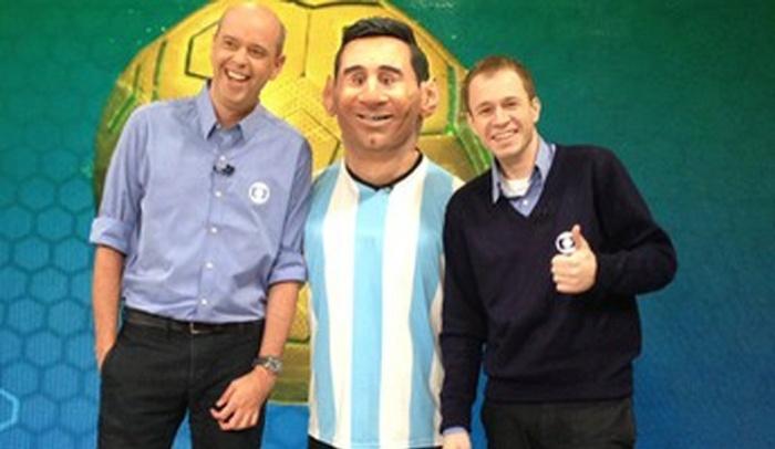 1.jun.2014 - Globo anuncia que terá boneco-robô durante a cobertura da Copa do Mundo