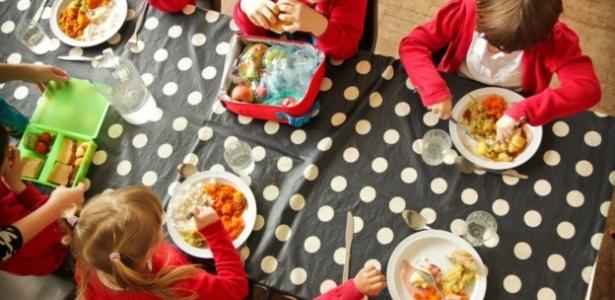 Estudo apontou que crianças mais novas estão mais propensas a experimentar novos alimentos - The School Foad Plan