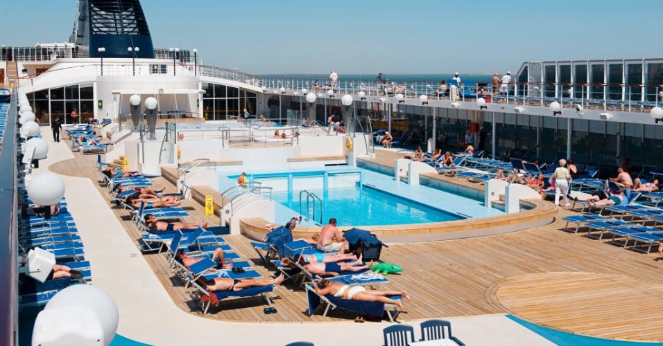 A partir de novembro, o navio Lirica fará viagens ao Nordeste, Uruguai e Argentina